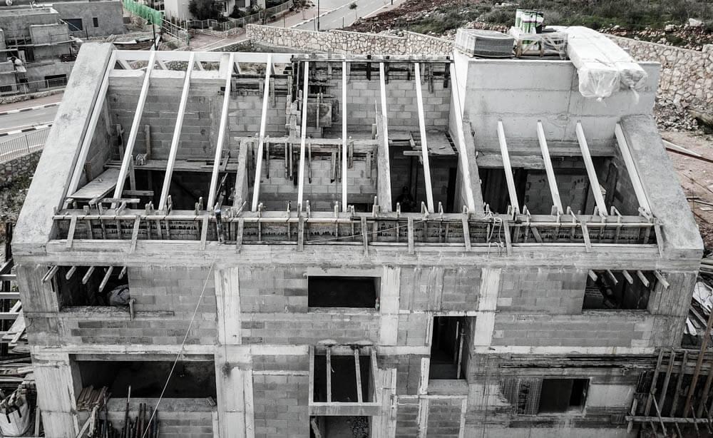 בית בתהליך בניה